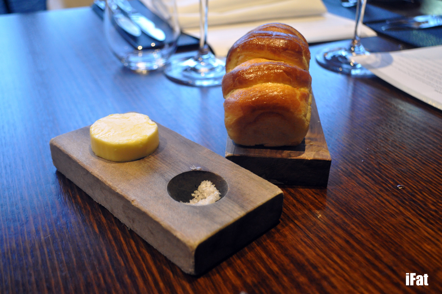 Black by EZARD, Pyrmont