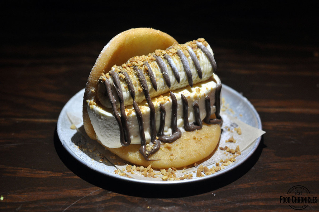 Baonana Split: Golden fried bao with vanilla ice cream, fresh banana, crushed peanuts and Nutella